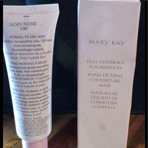 Mary Kay Full Coverage Foundation Ivory 100
